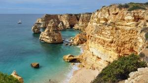 Praia_da_Marinha_(2012-09-27),_by_Klugschnacker_in_Wikipedia_(1)